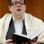 Kantor Nikola David singt auf dem Kantorenkonzert beim JNF-KKL Kongress