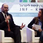 Generalkonsul Dr. Dan Shaham mit Moderatorin Ilanit Spinner beim Israel Kongress Stuttgart 2015